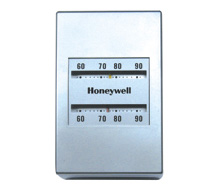 Single Setpoint Pneumatic Thermostats TP970 Series